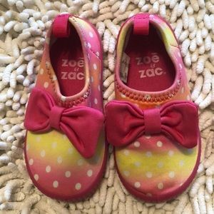 Zoe & Zac Water Shoes